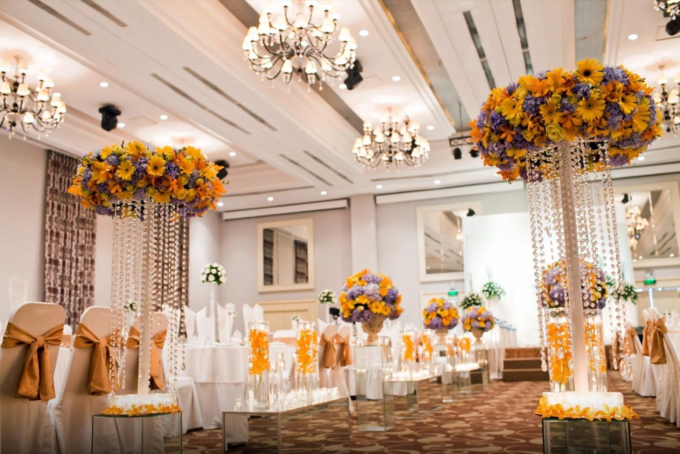 Địa chỉ may áo ghế tiệc cưới đẹp